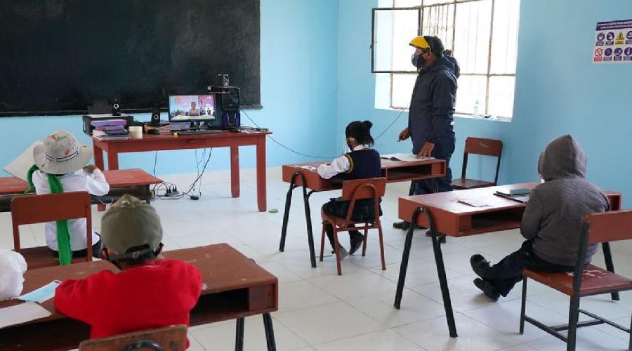 Ministro de Educación: ojalá que podamos volver clases presenciales antes del próximo año